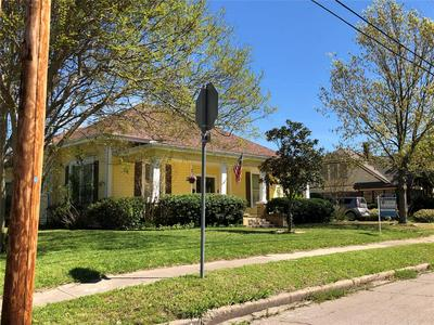 2112 WALWORTH ST, GREENVILLE, TX 75401 - Photo 2