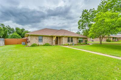 108 BEN HOGAN DR, Stephenville, TX 76401 - Photo 2