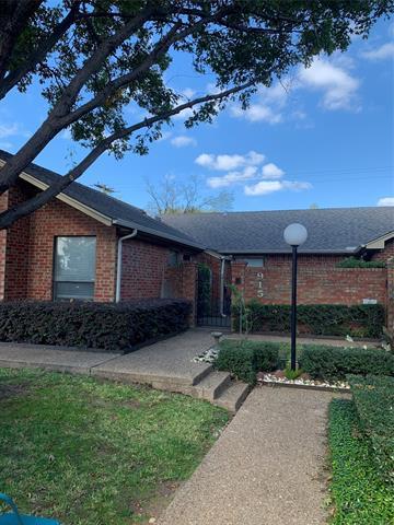915 CEDARLAND BLVD, Arlington, TX 76011 - Photo 1