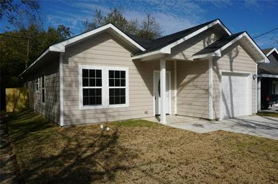 1206 HEMPHILL ST, Greenville, TX 75401 - Photo 2