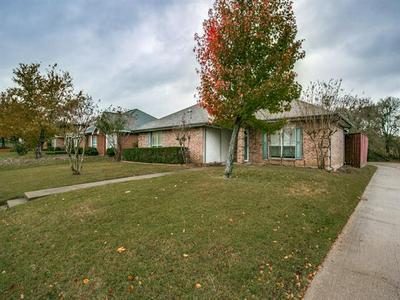 1331 RIVERVIEW LN, Seagoville, TX 75159 - Photo 2