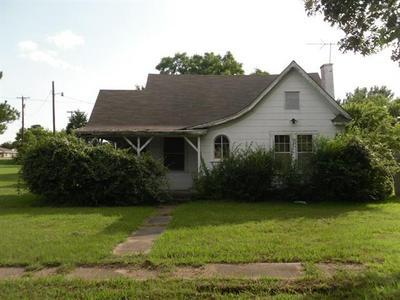 801 N FULLERTON, Dawson, TX 76639 - Photo 1
