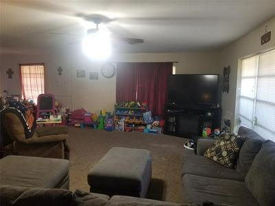 201 N UNION ST, Whitesboro, TX 76273 - Photo 2