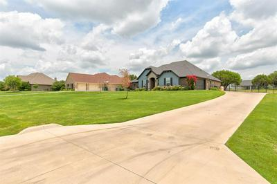 3711 LONESOME CREEK RD, Granbury, TX 76049 - Photo 2