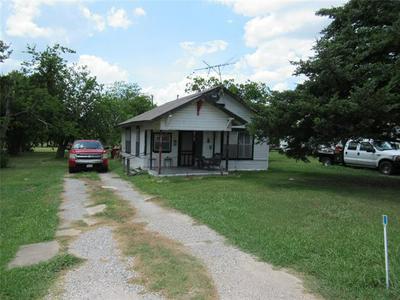 106 S 8TH ST, Celeste, TX 75423 - Photo 2