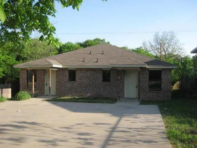 2839 AVENUE J, Fort Worth, TX 76105 - Photo 1