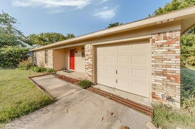 1611 N COLORADO ST, Decatur, TX 76234 - Photo 2