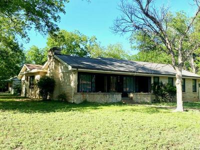 608 GRAND AVE, Brady, TX 76825 - Photo 1