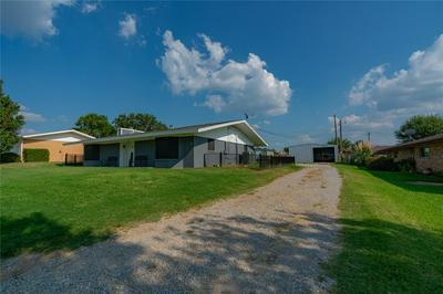 139 ZIPPER ST, Bowie, TX 76230 - Photo 2