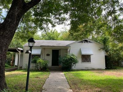 840 NORTHWOOD RD, Fort Worth, TX 76107 - Photo 2