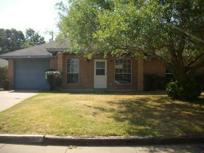 518 JEAN DR, Seagoville, TX 75159 - Photo 1