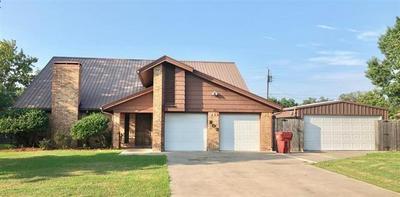 803 W 11TH ST, CLARKSVILLE, TX 75426 - Photo 1