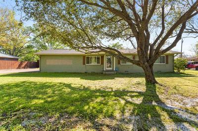 704 N COLLEGE ST, Malakoff, TX 75148 - Photo 1