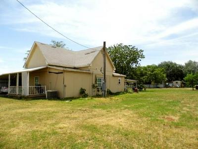 326 N BIRCH ST, Trent, TX 79561 - Photo 2