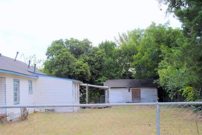 628 N HENRY ST, Lancaster, TX 75146 - Photo 2