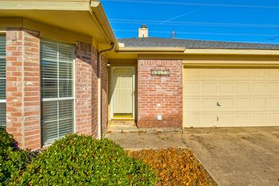 10624 COBBLESTONE DR, Benbrook, TX 76126 - Photo 2