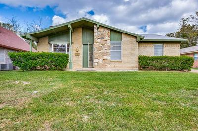 201 E VILBIG ST, Irving, TX 75060 - Photo 1