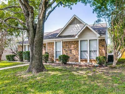 1419 WILLOW RUN DR, Duncanville, TX 75137 - Photo 1