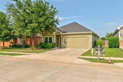 12321 HUNTERS CROSSING LN, Fort Worth, TX 76028 - Photo 2