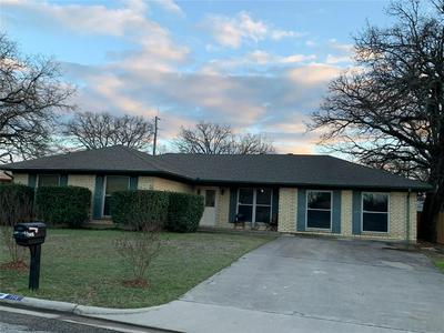 115 HILLCREST ST, JACKSBORO, TX 76458 - Photo 1
