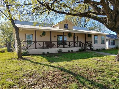 211 MCFALL ST, Whitesboro, TX 76273 - Photo 1