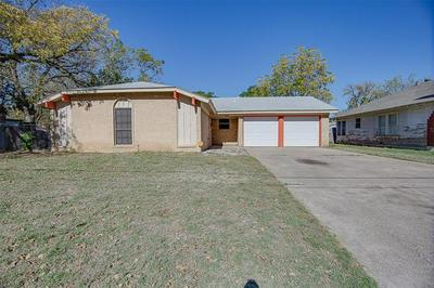 2805 MURPHY ST, Fort Worth, TX 76111 - Photo 2