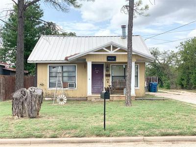 204 S IOWA ST, Breckenridge, TX 76424 - Photo 1