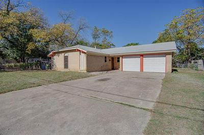 2805 MURPHY ST, Fort Worth, TX 76111 - Photo 1
