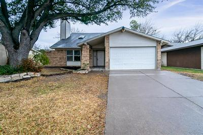 325 E SPRINGDALE LN, Grand Prairie, TX 75052 - Photo 1
