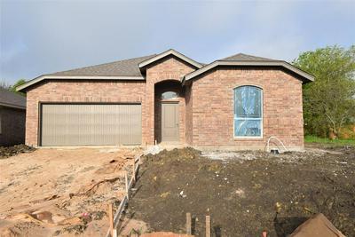 208 HUBBARD ST, Hillsboro, TX 76645 - Photo 1