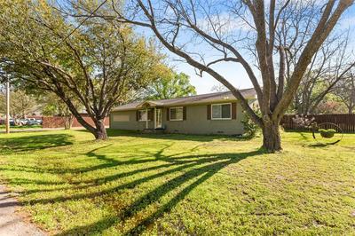 704 N COLLEGE ST, Malakoff, TX 75148 - Photo 2