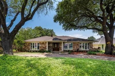 2808 N BRITAIN RD, Irving, TX 75062 - Photo 2