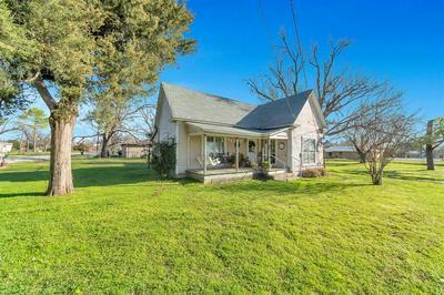 104 SCHOOL HOUSE RD, Paradise, TX 76073 - Photo 1