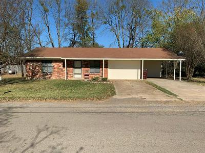 513 W 7TH ST, Clarksville, TX 75426 - Photo 1