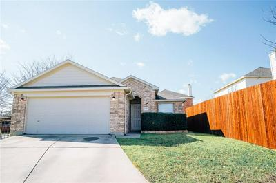 4901 MONUMENT WAY, EULESS, TX 76040 - Photo 1