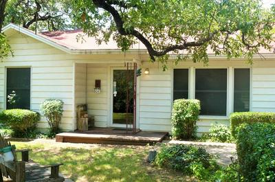 804 CENTRAL AVE, Bowie, TX 76230 - Photo 1