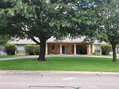 902 HIGHLAND DR, Cleburne, TX 76033 - Photo 1