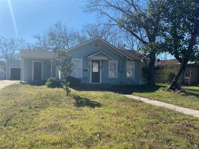 670 N CLINTON ST, STEPHENVILLE, TX 76401 - Photo 1