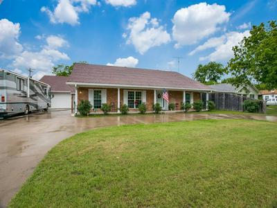 301 N NECHES ST, Whitney, TX 76692 - Photo 2