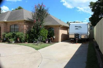 106 BRIANNE ST, Joshua, TX 76058 - Photo 2