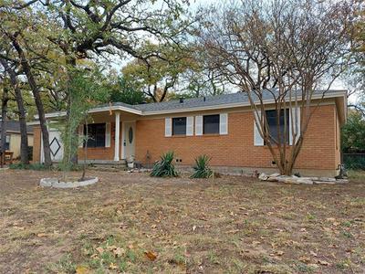 3004 EDITH LN, Haltom City, TX 76117 - Photo 1