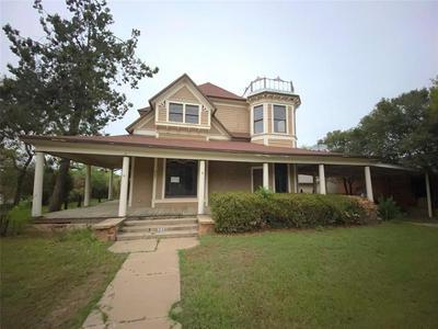 607 COGGIN AVE, BROWNWOOD, TX 76801 - Photo 1