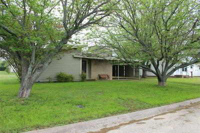 616 E 8TH ST, Coleman, TX 76834 - Photo 2