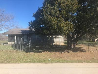 211 IRON BRIDGE DR, Rosser, TX 75157 - Photo 1
