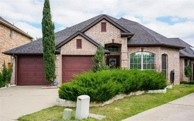 3610 SADGE LN, Irving, TX 75062 - Photo 2