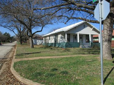 300 N DIXIE ST, Eastland, TX 76448 - Photo 2