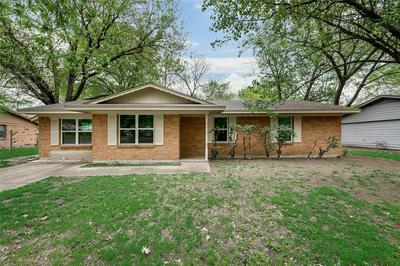 1300 AUSTIN DR, ENNIS, TX 75119 - Photo 1