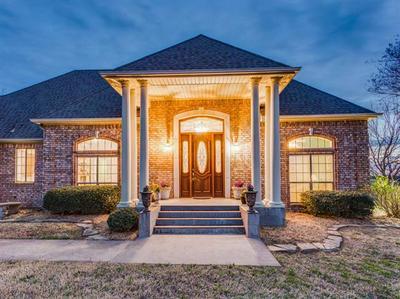 3108 BRIARCLIFF CIR, Gainesville, TX 76240 - Photo 2