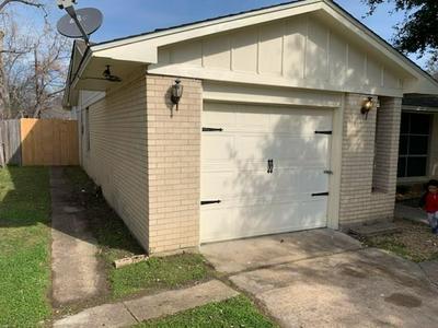 318 W CORAL WAY, GRAND PRAIRIE, TX 75051 - Photo 2