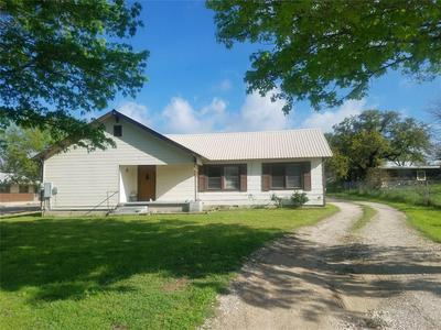 1710 PEACH ST, Goldthwaite, TX 76844 - Photo 2